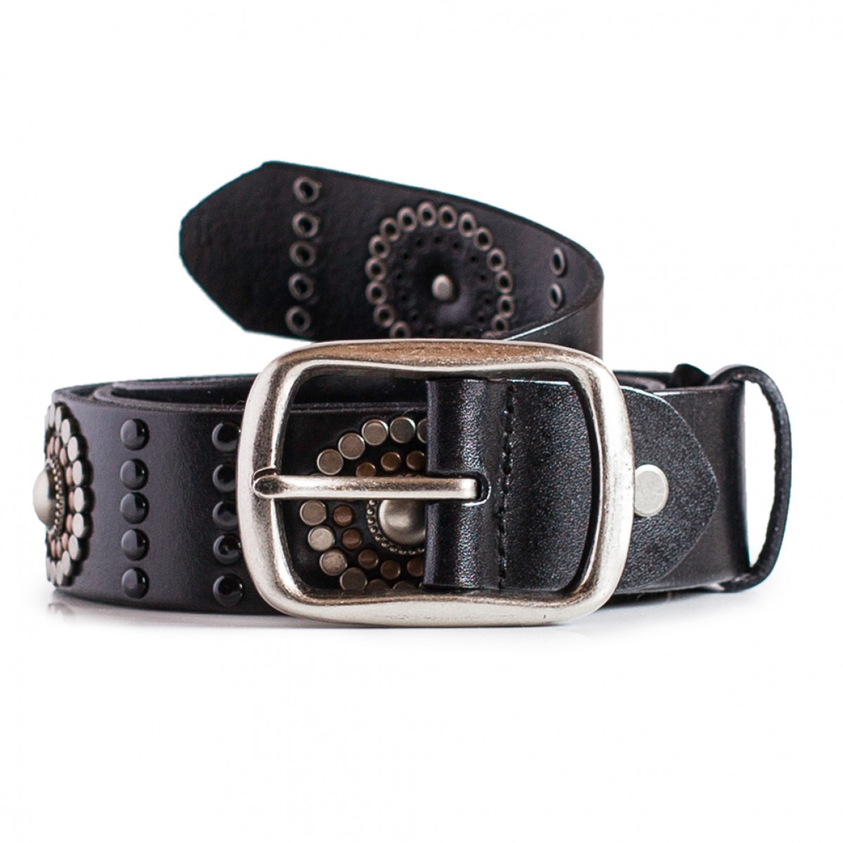 Our edit of women's belts features everything from bold logo emblazoned designs to more understated styles from Burberry, Givenchy, Valentino & many more.